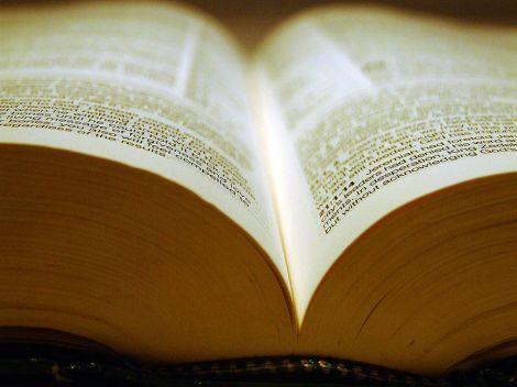 800px-Bible_paper